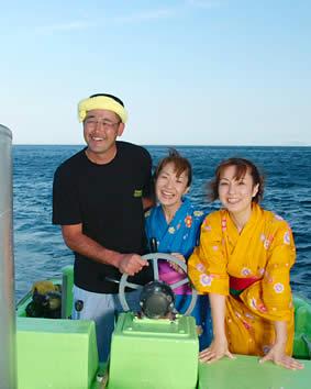 漁師さんと記念写真
